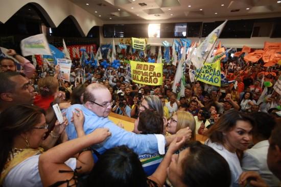 Ibope: Ibaneis chega a 75% dos votos válidos; Rollemberg tem 25%