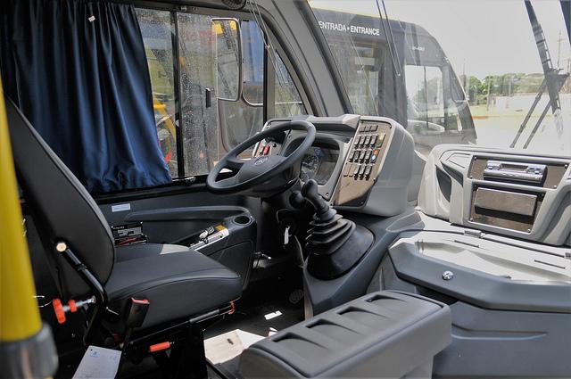 Governo do Distrito Federal entrega novos ônibus a população