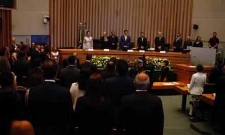 Deputados Distritais eleitos tomam posse na Câmara Legislativa do Distrito Federal