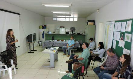 Presidente da Emater-DF ouve produtores e servidores em Sobradinho e Lago Oeste