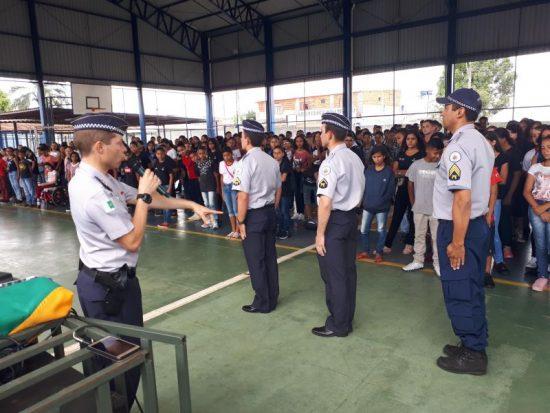 Ministério Público do DF aprova escolas militares