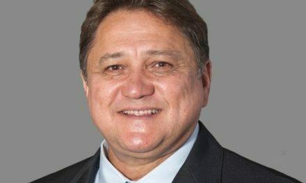 João Cardoso é o único deputado a votar contra a ampliação da permissão do uso de canudos e copos plásticos no Distrito Federal