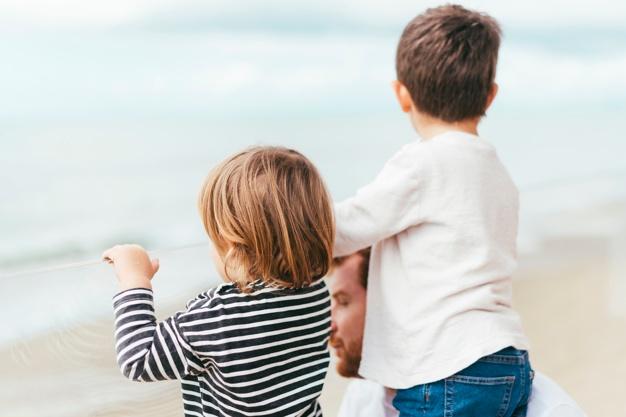Vai viajar com seu filho? Saiba o que você precisa.