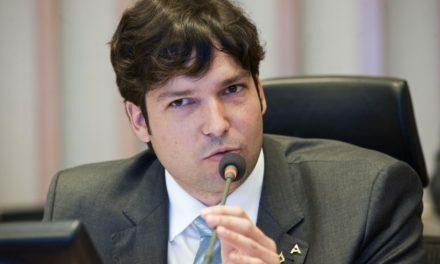 Robério Negreiros tem seus Projetos de Lei aprovados na CLDF