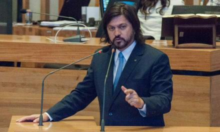 Claudio Abrantes protocola projeto que cria Política Distrital para a População em Situação de Rua