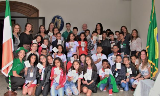 Estudantes de Sobradinho vivenciam cultura irlandesa pelo Embaixadas de Portas Abertas