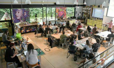Professores aprendem abordagem para Novo Ensino Médio