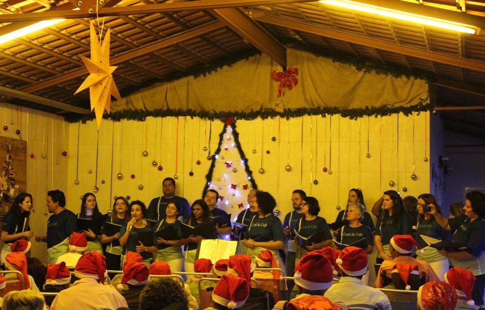 Cantata de Natal leva apresentações de corais ao Lar dos Velhinhos de Sobradinho, no DF