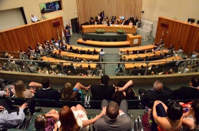 Deputados aprovam projeto que define limites das RAs