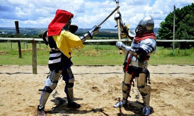 Conheça os brasilienses que praticam a Batalha Histórica Medieval