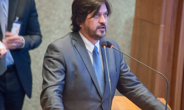 Deputado Distrital Claudio Abrantes propõe o nome de Letícia Curado, vítima de feminicídio, para praça em Planaltina