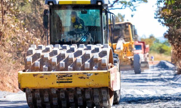 Pavimentação na região da Rota do Cavalo vai beneficiar 300 mil pessoas