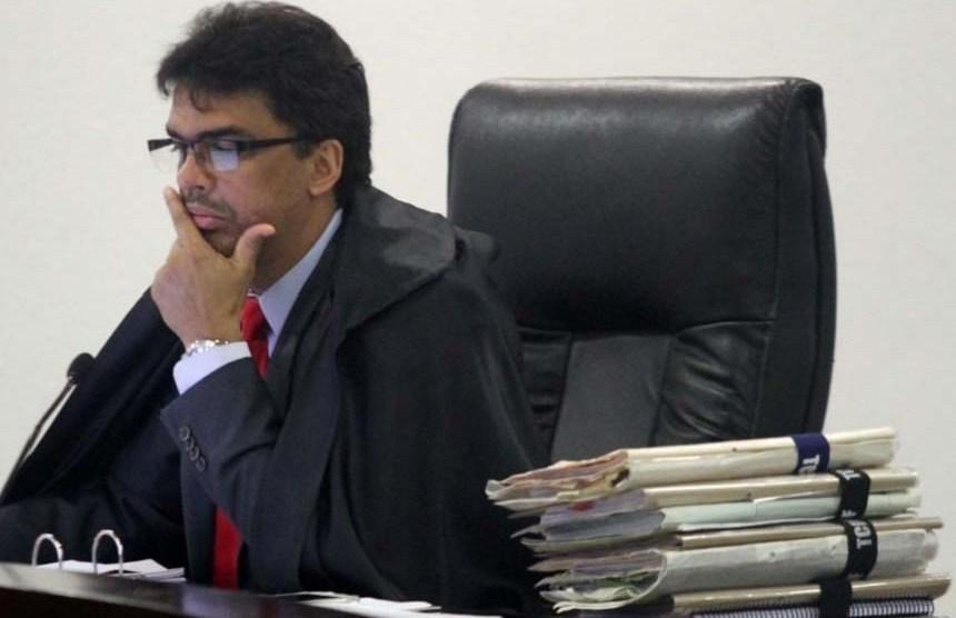 Paulo Tadeu é eleito presidente do Tribunal de Contas do DF