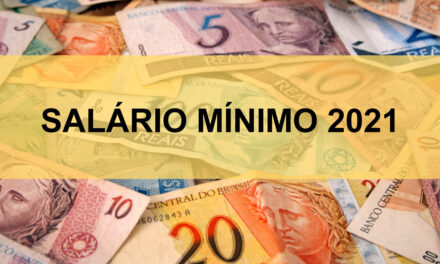 Bolsonaro anuncia aumento do salário mínimo que entra em vigor em janeiro de 2021