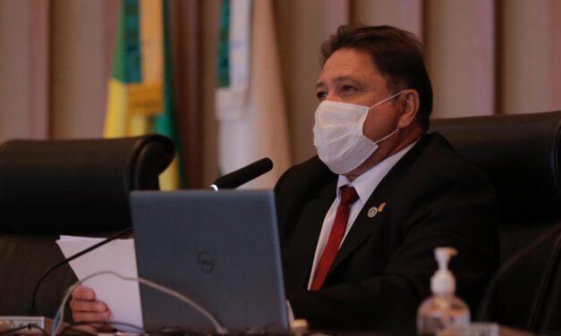 João Cardoso pede urgência na vacinação de agentes escolares e cobra plano de volta às aulas