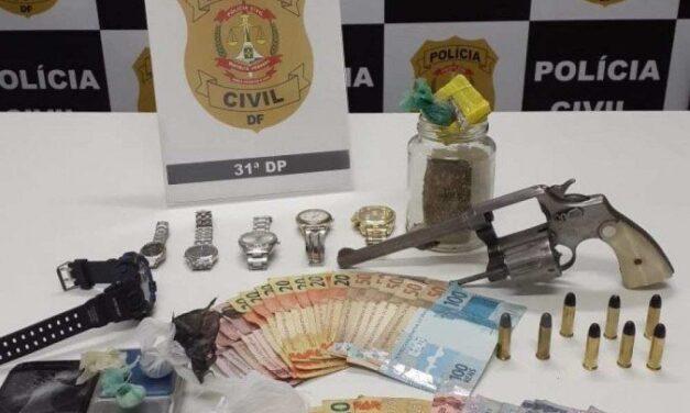 Polícia Civil prende dupla especializada em roubo de carros no DF
