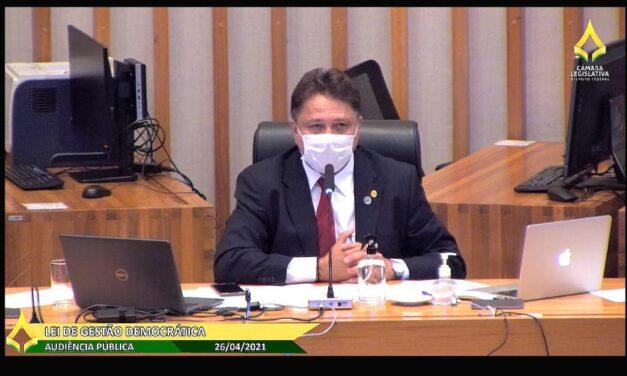Escolas públicas defendem aprimoramento da lei de gestão democrática e valorização dos cargos