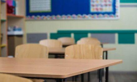 DF anuncia para agosto retorno da rede pública às aulas presenciais
