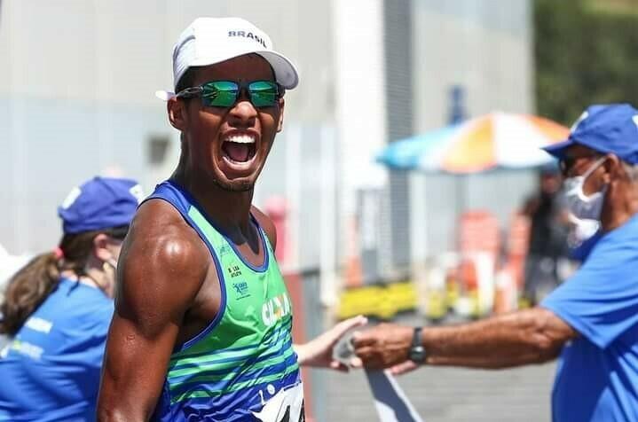 Esportista do Bolsa Atleta se destaca na marcha atlética
