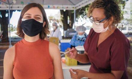 Mulheres são a maioria dos vacinados contra a covid-19
